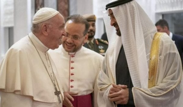 Sheikh Mohamed welcomes Pope Francis to the UAE