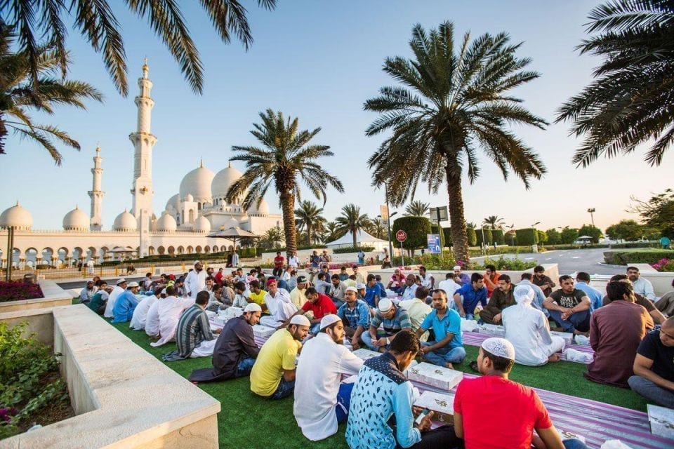 Sheikh-Zayed-Grand-Mosque-Ramadan-Iftar_8